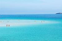 Italie. Sardaigne. Province de Sassari. Page La Pelosa.  // Italy. Sardinia. Sassari province. La Pelosa beach.