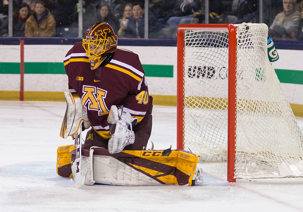 January 11, 2019:  Minnesota goaltender Mat Robson (40) makes the save during NCAA Hockey game action between the Minnesota Golden Gophers and the Notre Dame Fighting Irish at Compton Family Ice Arena in South Bend, Indiana.  Minnesota defeated Notre Dame 5-1.  John Mersits/CSM