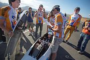 De VeloX2 met Jan Bos wordt voorbereid voor de start. In de vroege ochtend worden de kwalificaties gereden. In de buurt van Battle Mountain, Nevada, strijden van 10 tot en met 15 september 2012 verschillende teams om het wereldrecord fietsen tijdens de World Human Powered Speed Challenge. Het huidige record is 133 km/h.<br /> <br /> Jan Bos is getting ready in the VeloX2. Near Battle Mountain, Nevada, several teams are trying to set a new world record cycling at the World Human Powered Vehicle Speed Challenge from Sept. 10th till Sept. 15th. The current record is 133 km/h.