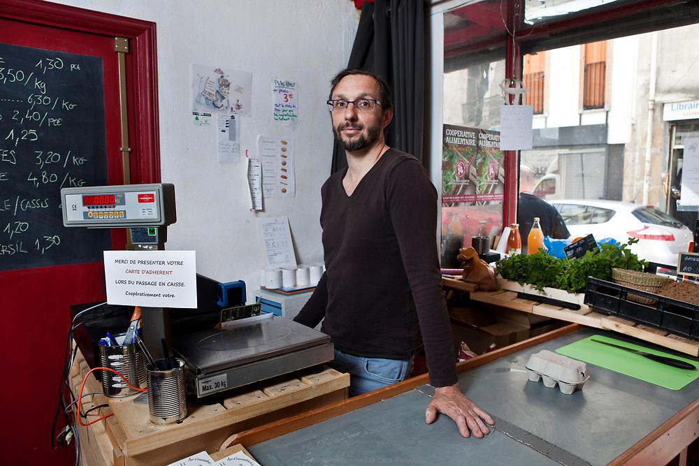 Christophe Pradal, membre fondateur de la Coopérative Alimentaire de la Goutte d'Or, un projet participatif et autogéré pour une agriculture paysanne et sans intermédiaires.