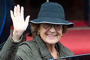 Prinses Margriet komt aan bij het Koninklijk Paleis voor de traditionele nieuwjaarsontvangst voor Nederlandse genodigden
