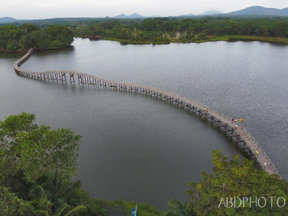 Nong Yai Wooden Bridge Chumphon<br /> สะพานไม้เคี่ยม หนองใหญ่