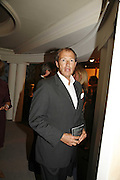 Julian Metcalfe, Gala champagne reception and dinner in aid of CLIC Sargent.  Grosvenor House Art and Antiques Fair.  Grosvenor House. Park Lane. London. 15  June 2006. ONE TIME USE ONLY - DO NOT ARCHIVE  © Copyright Photograph by Dafydd Jones 66 Stockwell Park Rd. London SW9 0DA Tel 020 7733 0108 www.dafjones.com