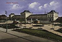 """Zagreb : Kolodvor. <br /> <br /> ImpresumZagreb : """"Lela"""" 1931.<br /> Materijalni opis1 razglednica : tisak ; 8,7 x 13,9 cm.<br /> NakladnikNaklada """"Lela""""<br /> Mjesto izdavanjaZagreb<br /> Vrstavizualna građa • razglednice<br /> ZbirkaZbirka razglednica • Grafička zbirka NSK<br /> Formatimage/jpeg<br /> PredmetZagreb –– Trg kralja Tomislava<br /> SignaturaRZG-TOM-49<br /> Obuhvat(vremenski)20. stoljeće<br /> NapomenaRazglednica nije putovala.<br /> PravaJavno dobro<br /> Identifikatori000953707<br /> NBN.HRNBN: urn:nbn:hr:238:798881 <br /> <br /> Izvor: Digitalne zbirke Nacionalne i sveučilišne knjižnice u Zagrebu"""