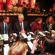 NLD/Amsterdam/20130131- Filmpremiere Lincoln, Wim Kok en partner Rita Roukema aan tafel