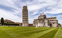 THEMENBILD - die Kathedrale und der Schiefe Turm von Pisa, aufgenommen am 24. Juni 2018 in Pisa, Italien // the Pisa Cathedral and the Leaning Tower of Pisa, Pisa, Italy on 2018/06/24. EXPA Pictures © 2018, PhotoCredit: EXPA/ JFK