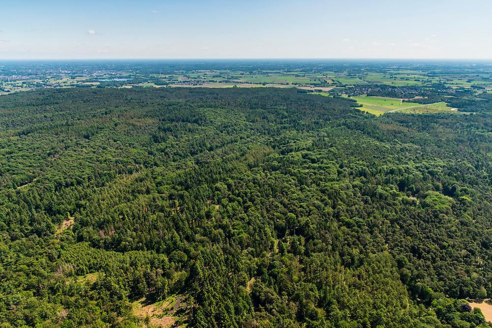 Nederland, Gelderland, Gemeente Zeddam, 29-05-2019; Montferland, heuvelachtig bosgebied, rijk aan houtwallen, Ten westen van Didam.<br /> Montferland, hilly forest area, rich in wooded banks.<br /> <br /> luchtfoto (toeslag op standard tarieven);<br /> aerial photo (additional fee required);<br /> copyright foto/photo Siebe Swart
