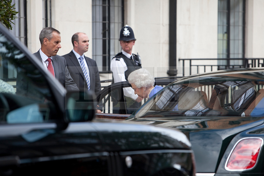 © Licensed to London News Pictures. 06/06/2012. London, U.K..Her Majesty The Queen Elizabeth II arrives to the King Edward VII hospital in Marylebone, London this evening 6th June 2012 to visit her husband Prince Philip who was taken ill with a bladder infection on Monday 4th June during the Jubilee weekend Celebrations...Photo credit : Rich Bowen/LNP