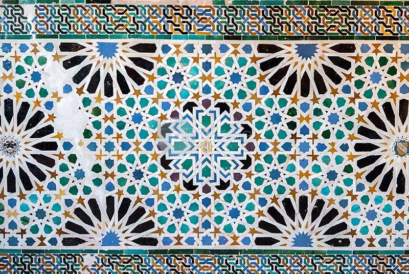 Detalle decoracion con azulejos de La Alhambra de Granada. Andalucia. España. Europa ©Country Sessions / PILAR REVILLA