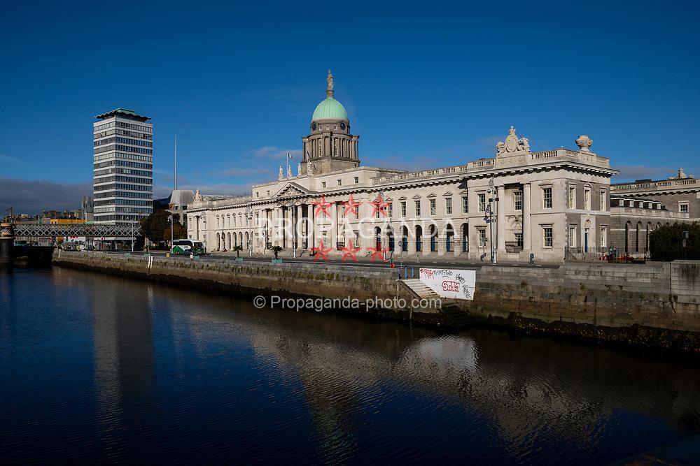 DUBLIN, REPUBLIC OF IRELAND - Sunday, October 11, 2020: The Custom House Dublin. (Pic by David Rawcliffe/Propaganda)