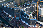 Nederland, Utrecht, Utrecht, 25-11-2008; Croeselaan: hoofdkantoor van Rabobank met rechts deel nieuwbouwheadquarters Rabobank, with bottom right building site new headofficeRabo is ontstaan door fusie Raiffeisenbank en Boerenleenbank en is een cooperatieve organisatie met lokale vestigingende bank - met Triple A status -  is niet getroffen door de krediet crisis en heeft geen staatssteun nodigRabo formed by the merger of Raiffeisennbank and Boerenleenbank ( Farmer Loan Bank) and is a cooperative organization with local  branchesthe bank - with Triple A credit rating - is not affected by the credit crisis and does not need government support;.  .luchtfoto (toeslag)aerial photo (additional fee required).foto Siebe Swart / photo Siebe Swart