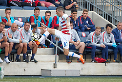 May 28, 2018 - Chester, PA, U.S. - CHESTER, PA - MAY 28: United States midfielder Christian Pulisic (10) jumps to trap the ball from the air during the international friendly match between the United States and Bolivia at the Talen Energy Stadium on May 28, 2018 in Chester, Pennsylvania. (Photo by Robin Alam/Icon Sportswire) (Credit Image: © Robin Alam/Icon SMI via ZUMA Press)