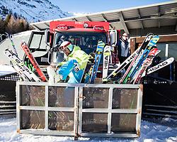 28.12.2016, Deborah Compagnoni Rennstrecke, Santa Caterina, ITA, FIS Ski Weltcup, Santa Caterina, Abfahrt, Herren, Streckenbesichtigung, im Bild Transport der Rennläufer zum Start , in der box Bostjan Kline (SLO) // transportation of Racers to the Start at the box Bostjan Kline of Slovenia during the course inspection for the men's Downhill of FIS Ski Alpine World Cup at the Deborah Compagnoni race course in Santa Caterina, Italy on 2016/12/28. EXPA Pictures © 2016, PhotoCredit: EXPA/ Johann Groder