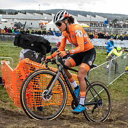 20190201: UCI CX Worlds : Dübendorf: Ceylin del Carmen Alvarado on the way to her first elite title