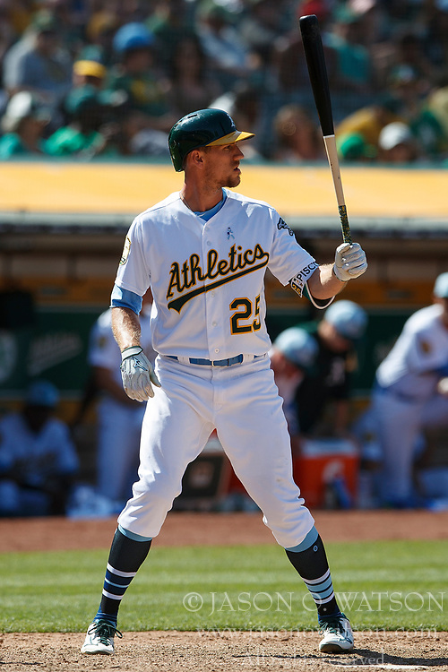 OAKLAND, CA - JUNE 17: Stephen Piscotty #25 of the Oakland Athletics at bat against the Los Angeles Angels of Anaheim during the tenth inning at the Oakland Coliseum on June 17, 2018 in Oakland, California. The Oakland Athletics defeated the Los Angeles Angels of Anaheim 6-5 in 11 innings. (Photo by Jason O. Watson/Getty Images) *** Local Caption *** Stephen Piscotty