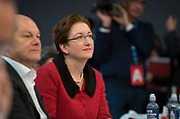 DEU, Deutschland, Germany, Berlin, 06.12.2019: Bundesfinanzminister Olaf Scholz (SPD) und Klara Geywitz (SPD), Mitglied des Brandenburger Landtags, beim Bundesparteitag der SPD im CityCube. Scholz und Geywitz stellten sich der Wahl zum SPD-Parteivorsitzenden, unterlagen jedoch.