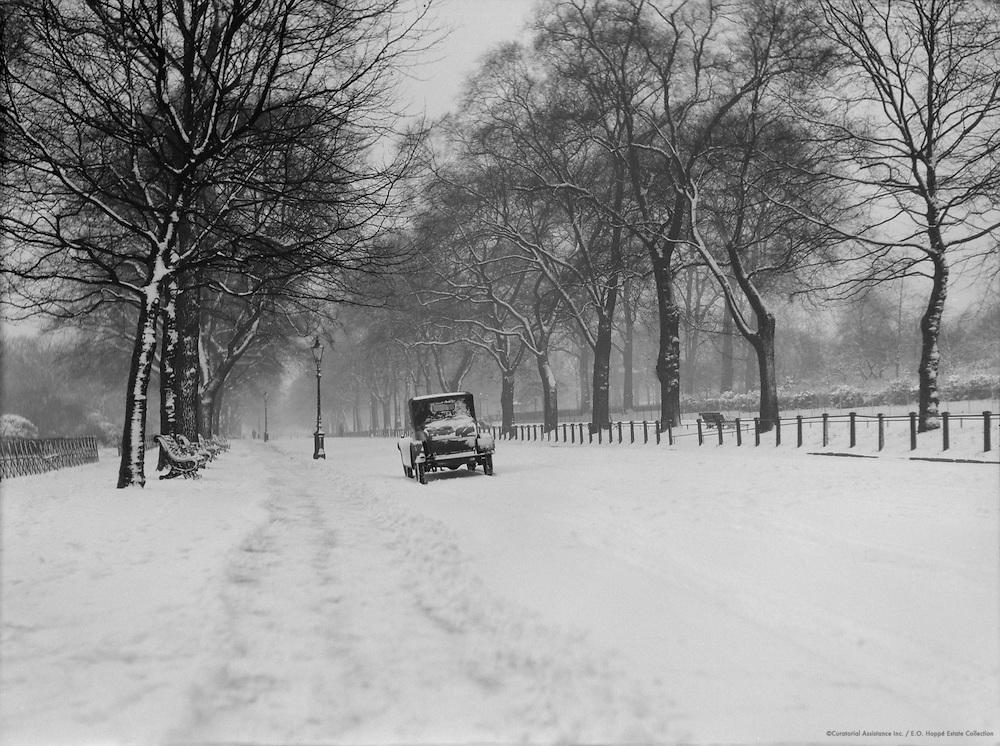 Winter in Hyde Park, London, 1929