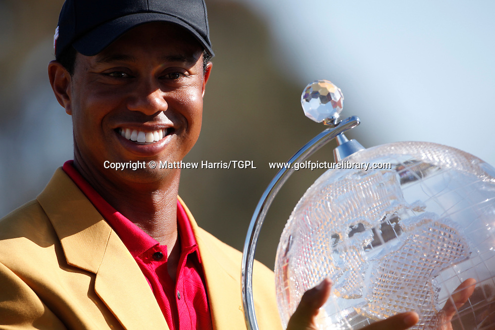 Tiger WOODS (US) all smiles after winning  trophy during fourth round AUSTRALIAN MASTERS 2009,Kingston Heath,Melbourne,Australia.