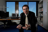 10 JAN 2005, BERLIN/GERMANY:<br /> Roger Koeppel, Chefredakteur der Tageszeitung Die Welt, waehrend einem Interview, in seinem Buero, Axel-Springer-Haus<br /> IMAGE: 20050110-02-002<br /> KEYWORDS: Roger Köppel