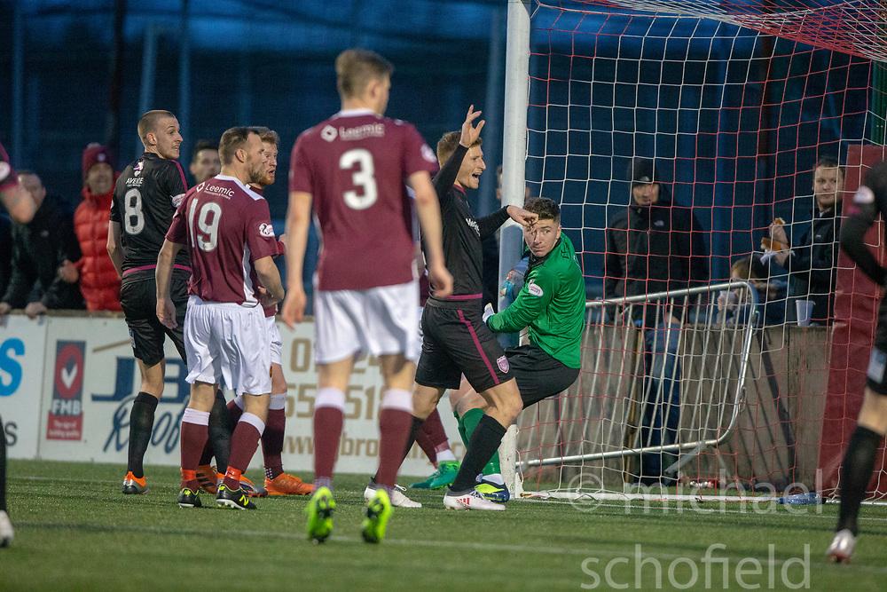 Arbroath's Bobby Linn scoring their fourth goal from a corner kick. Stenhousemuir 1 v 4 Arbroath, Scottish Football League Division One play12/1/2019 at Ochilview Park.