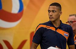 24-09-2016 NED: EK Kwalificatie Nederland - Wit Rusland, Koog aan de Zaan<br /> Nederland wint na een 2-0 achterstand in sets met 3-2 / Fabian Plak #20