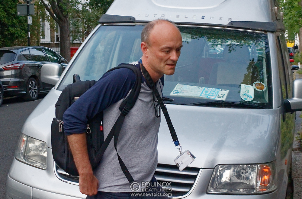 London, United Kingdom - 26 May 2020<br /> Boris Johnsons political advisor Dominic Cummings arriving home. The scene at Dominic Cummings home in North London today where two or three supporters turned up to support of him as he arrived home. Islington, London, England, UK.<br /> **VIDEO AVAILABLE**<br /> (photo by: JKM / EQUINOXFEATURES.COM)<br /> Picture Data:<br /> Photographer: JKM / Equinox Features<br /> Copyright: ©2020 Equinox Licensing Ltd. +443700 780000<br /> Contact: Equinox Features<br /> Date Taken: 20200526<br /> Time Taken: 20263500<br /> www.newspics.com