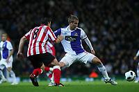 Fotball<br /> England<br /> Foto: Colorsport/Digitalsport<br /> NORWAY ONLY<br /> <br /> 18.10.2010<br /> Football - Premier League - Blackburn vs. Sunderland<br /> Steed Malbranque of Sunderland passes past Morten Gamst Pedersen of Blackburn Rovers at Ewood Park