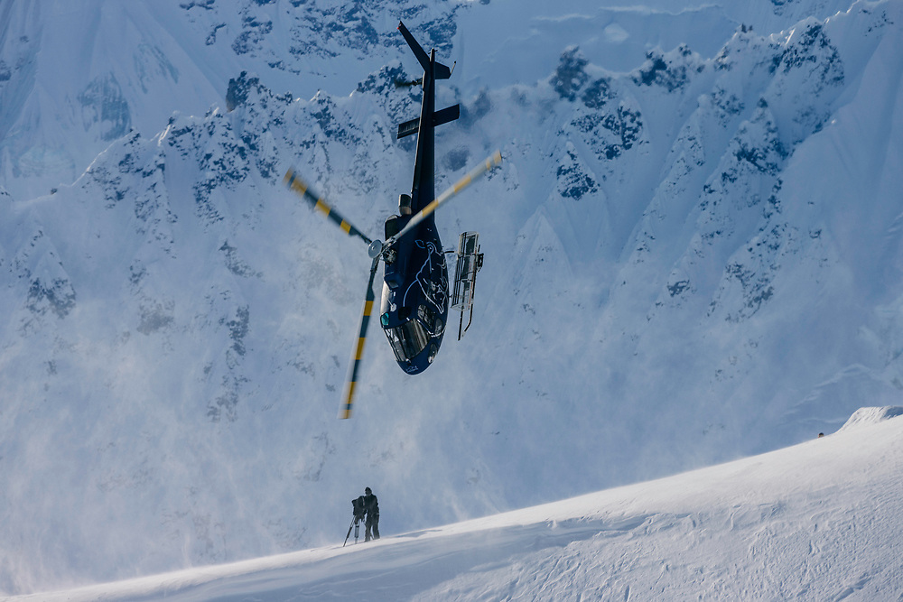 Tails Up<br /> <br /> It's Alaska that the best snowboarders in the world travel to with hopes to ride the world's most extreme and challenging lines. After spending so many years flying these athletes around, and watching them perform all that that do, some of the helicopter pilots start to perform extreme maneuvers themselves.