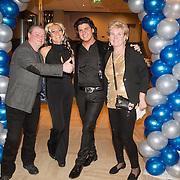 NLD/Gilze/20131130 - Roy Donders presenteert huispakkenlijn, Vader Frans, zus Rian, Roy Donders, en moeder Nel
