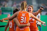 ROTTERDAM -  Vreugde bij Oranje tijdens de hockeywedstrijd tussen de vrouwen van Nederland en India (8-1)  in de kwartfinale van de Hockey World League.  ANP KOEN SUYK