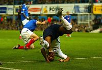 Fotball<br /> Premier League England 2004/2005<br /> 18.10.2004<br /> Foto: BPI/Digitalsport<br /> NORWAY ONLY<br /> <br /> Portsmouth v Tottenham Hotspur<br /> <br /> Jermaine Defoe tumbles in the penalty box