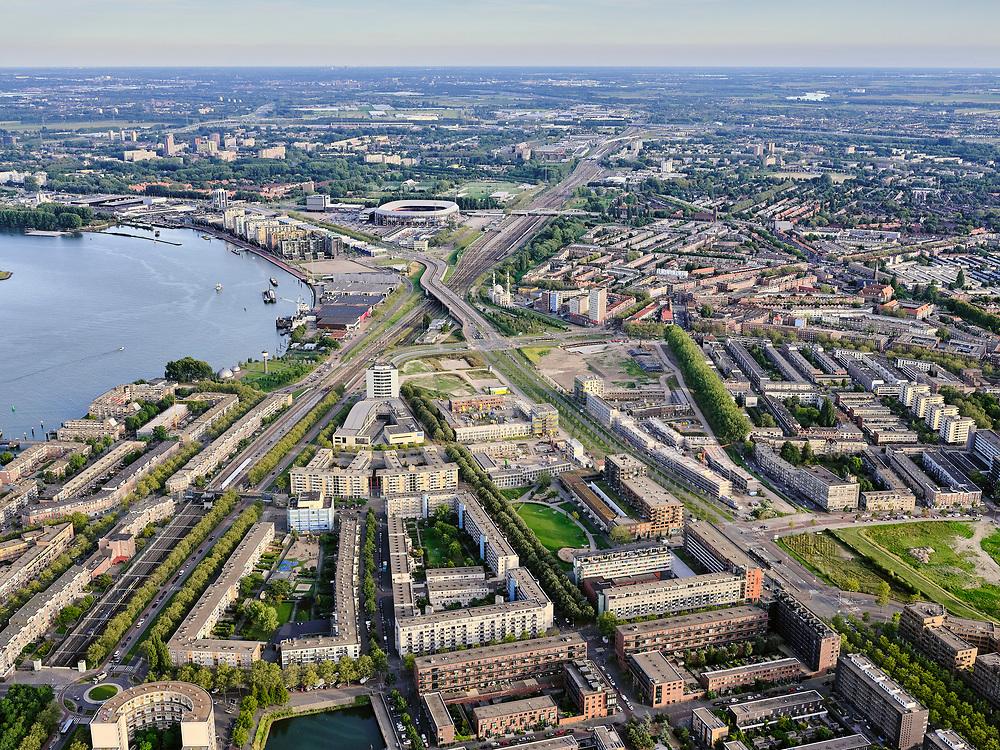 Nederland, Zuid-Holland, Rotterdam, 14-09-2019; Stadsgezicht Rotterdam-Zuid. Entrepotdok, Feijenoord. Binnenhaven in de voorgrond, rivier de Nieuwe Maas links.<br /> Cityscape Rotterdam-South. River, district Feijenoord.<br /> <br /> luchtfoto (toeslag op standard tarieven);<br /> aerial photo (additional fee required);<br /> copyright foto/photo Siebe Swart