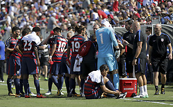 July 8, 2017 - Nashville, TN, USA - Nashville, TN - Saturday July 08, 2017: USMNT hydration break during a 2017 Gold Cup match between the men's national teams of the United States (USA) and Panama (PAN) at Nissan Stadium. (Credit Image: © John Dorton/ISIPhotos via ZUMA Wire)