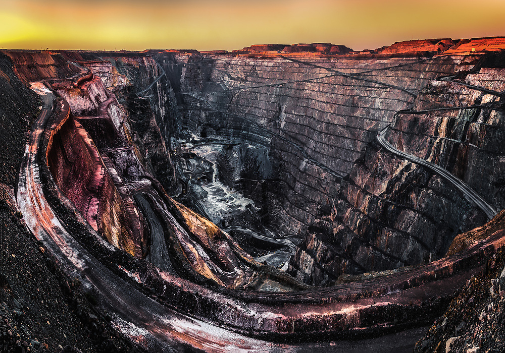 Kalgoorlie with its Super Pit gold mine is of the most the most successful towns in the Australian Outback. There have been mined 1650 tons (3 million pounds) of gold since1893.