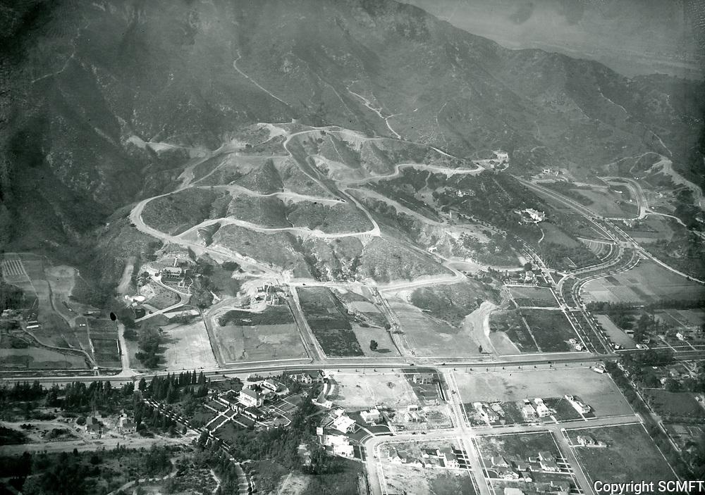 1923 Looking north at Los Feliz Heights