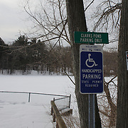 Clarks Pond in Hamden, Connecticut, USA. 20th February 2014. Photo Tim Clayton