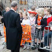 NLD/Den Haag/20110920 - Prinsjesdag 2011, Henk Kamp was te vroeg pratend met schoolkinderen