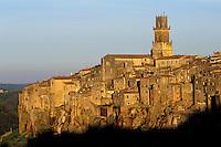 Italie, Toscane, Province de Grosseto, Village de Pitigliano// Italy, Tuscany, Grosseto province, Pitigliano village