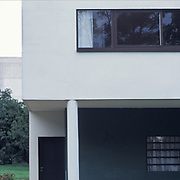 Poissy, France, 2002: Detail South Facade, first floor, Ville Savoie  (1929) at street of Villers- Le Corbusier arch - Photographs  by Alejandro Sala