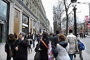 Frankrijk, Parijs, 28-3-2010De Champs Elysees, dure winkelstraat.  Exterieur.Foto: Flip Franssen/Hollandse Hoogte
