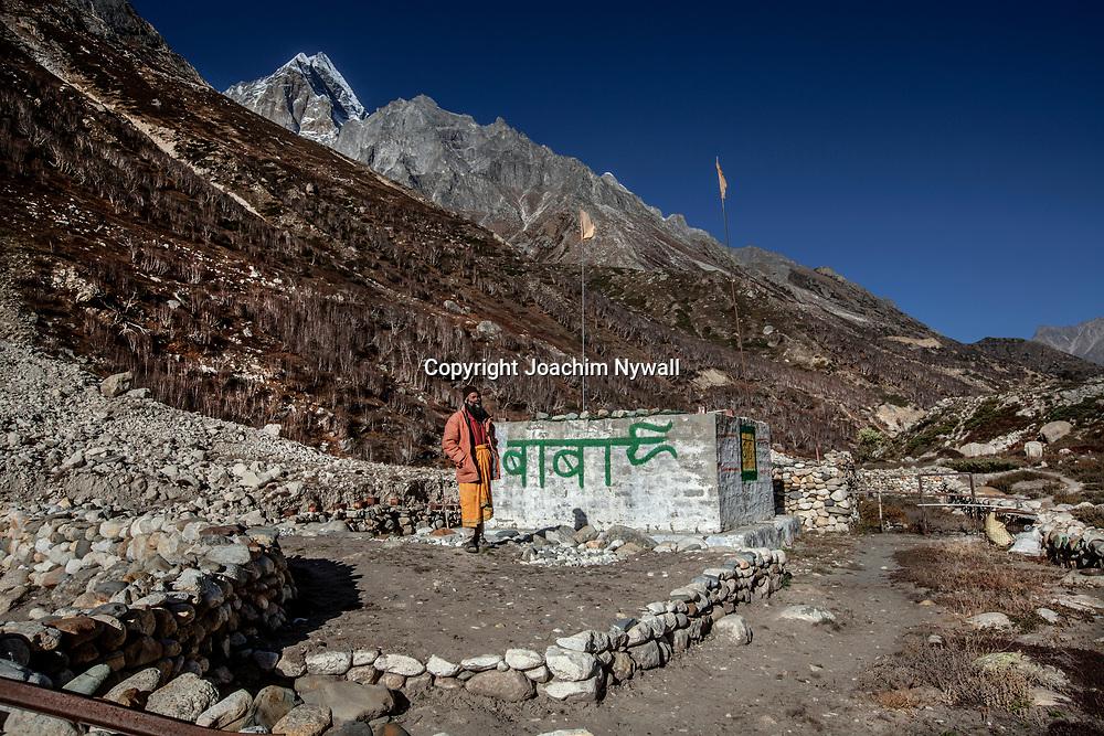 2016 10 05 Gangotri Uttarakhand India<br /> Vandring mellan Gangotri och Gamukh som är Ganges källa Vandringen går längs Bhagirathi som ganges heter här uppe<br /> Nirmal Baba<br /> ----<br /> FOTO : JOACHIM NYWALL KOD 0708840825_1<br /> COPYRIGHT JOACHIM NYWALL<br /> <br /> ***BETALBILD***<br /> Redovisas till <br /> NYWALL MEDIA AB<br /> Strandgatan 30<br /> 461 31 Trollhättan<br /> Prislista enl BLF , om inget annat avtalas.