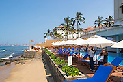 Beach and swimming pool, Galle Face hotel, Colombo, Sri Lanka, Asia