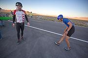 Larry Lem moet bijkomen na het rijden van het tandemrecord op de derde racedag van het WHPSC. In de buurt van Battle Mountain, Nevada, strijden van 10 tot en met 15 september 2012 verschillende teams om het wereldrecord fietsen tijdens de World Human Powered Speed Challenge. Het huidige record is 133 km/h.<br /> <br /> Larry Lem has to recover after setting a new world tandem world record on the third day of the WHPSC. Near Battle Mountain, Nevada, several teams are trying to set a new world record cycling at the World Human Powered Speed Challenge from Sept. 10th till Sept. 15th. The current record is 133 km/h.