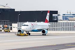 THEMENBILD - eine AUA Maschine am Flughafen Wien, aufgenommen am 1. Juni 2018 in Schwechat, Österreich //  the plane of Austrian Airlines at the Vienna International Airport in Schwechat, Austria on 2018/06/01, EXPA Pictures © 2018, PhotoCredit: EXPA/ Sebastian Pucher