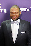January 12, 2013- Washington, D.C- Actor Anthony Anderson attends the 2013 BET Honors Red Carpet held at the Warner Theater on January 12, 2013 in Washington, DC. BET Honors is a night celebrating distinguished African Americans performing at exceptional levels in the areas of music, literature, entertainment, media service and education. (Terrence Jennings)