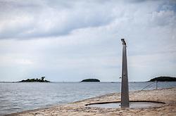 THEMENBILD - URLAUB IN KROATIEN, eine Dusche am Strand, aufgenommen am 02.07.2014 in Vrsar, Kroatien // a shower at the beach in Vrsar, Croatia on 2014/07/02. EXPA Pictures © 2014, PhotoCredit: EXPA/ JFK