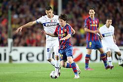 28.04.2010, Estadio Camp Nou, Barcelona, ESP, UEFA CL, FC Barcelona vs Inter Mailand im Bild Messi - Barcelona Fc, Thiago Motta Inter, EXPA Pictures © 2010, PhotoCredit: EXPA/ InsideFoto/ Semedia / SPORTIDA PHOTO AGENCY