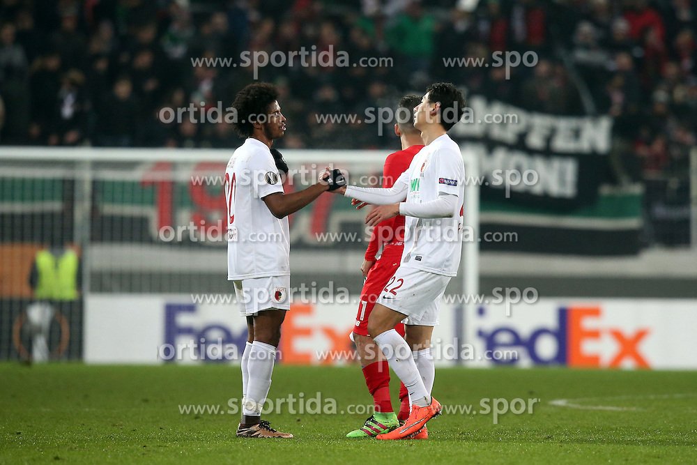 18.02.2016, WWKArena, Augsburg, GER, UEFA EL, FC Augsburg vs FC Liverpool, Sechzehntelfinale, Hinspiel, im Bild Caiuby ( FC Augsburg ) Dong-Won Ji ( FC Augsburg ) nach dem 0:0, // during the UEFA Europa League Round of 32, 1st Leg match between FC Augsburg and FC Liverpool at the WWKArena in Augsburg, Germany on 2016/02/18. EXPA Pictures © 2016, PhotoCredit: EXPA/ Eibner-Pressefoto/ Langer<br /> <br /> *****ATTENTION - OUT of GER*****