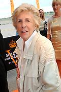 Premiere nieuwe cast Soldaat van Oranje<br /> Caption op het voormalige vliegveld Valkenburg in Katwijk. De musical blijft hier nog tot en met januari 2012 te zien in de TheaterHangaar. <br /> <br /> Op de foto: Jetty Pearl = Jetje van Oranje