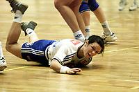 Handball, NM-finale kvinner 28. april 2001, Nordstrand-Bækkelaget. Elise Alsand, Nordstrand, nede for telling.